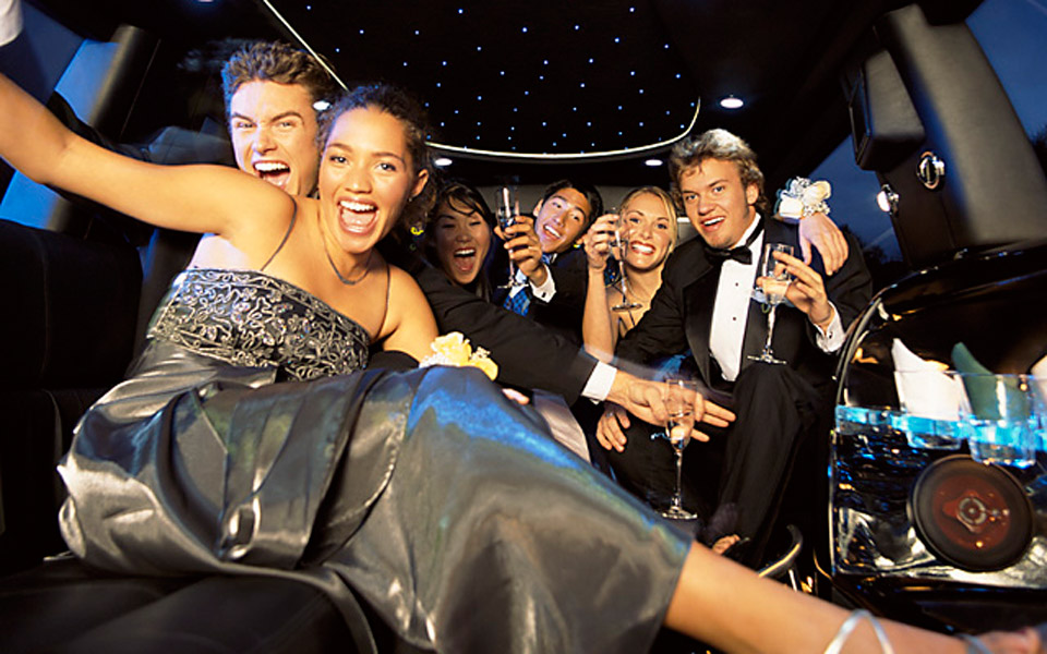 Prom-Party-Bus-limo