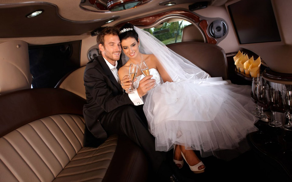 Wedding-Party-Bus-Limo