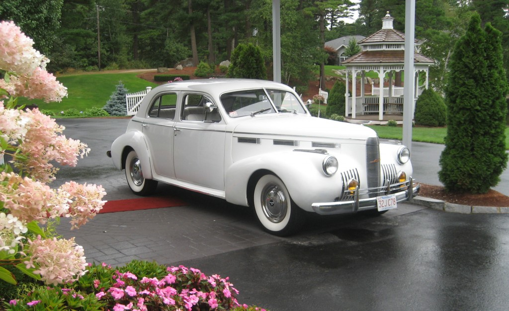 Vintage Wedding car ext